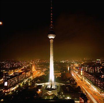 Guias a Berlin: tours en español visitar la plaza Alexanderplatz o cualquier otro lugar de Berlín en español