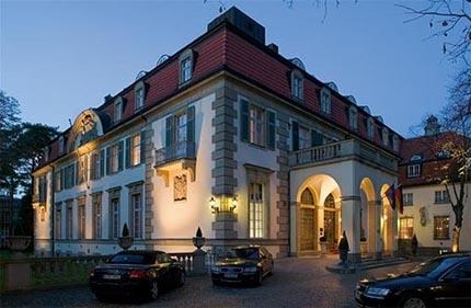 Hoteles de berl n alma schlosshotel vuelos a berl n for Hoteles diseno berlin